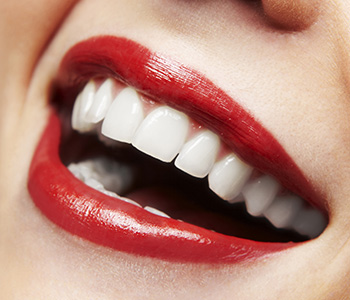 Working with your cosmetic dentist in Scarborough, ON, you can design your best smile